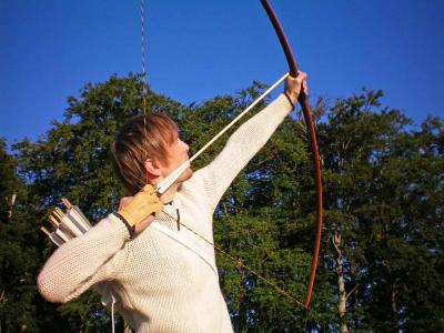 Longbow shooting